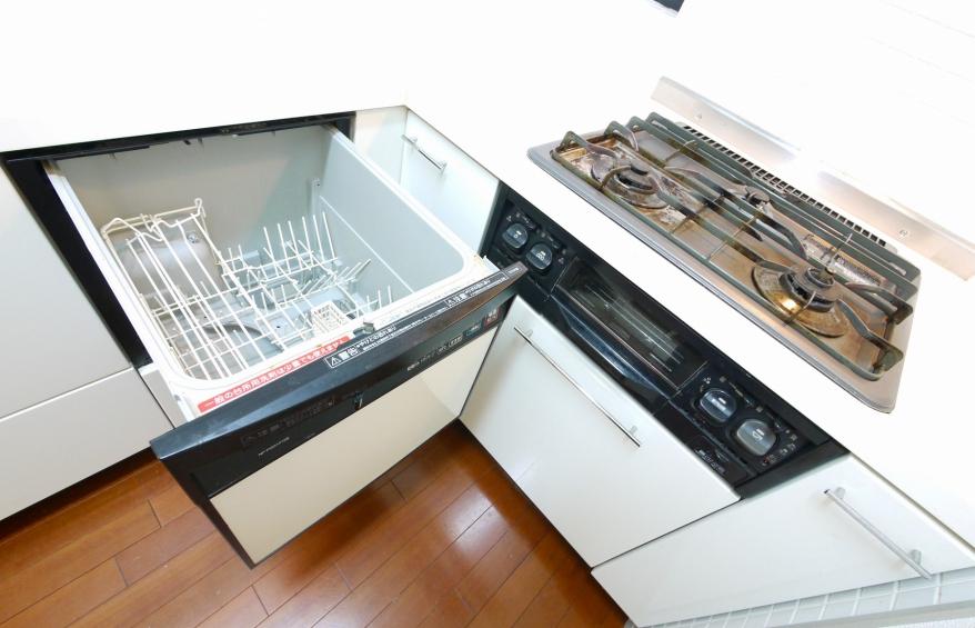 ビルトイン食洗機、三口コンロ